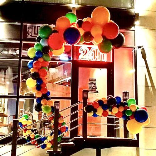 Арка из воздушных шаров №33