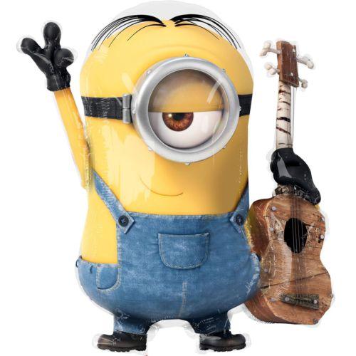 «Миньон Стюарт с гитарой»