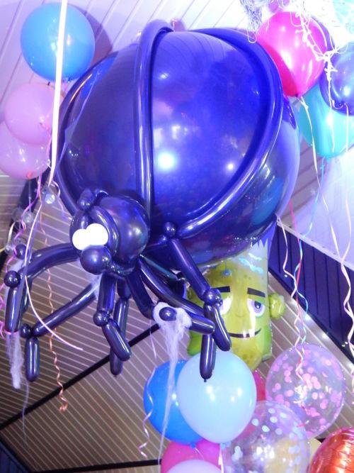 «Halloween» Шар сюрприз паук